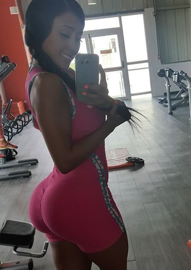 Alejandra Gil, uma morena rabuda espetacular 20