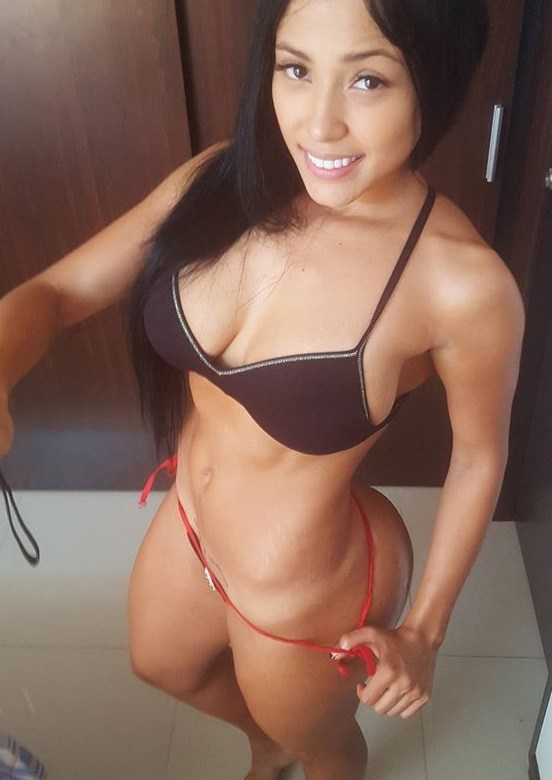 Alejandra Gil, uma morena rabuda espetacular 22