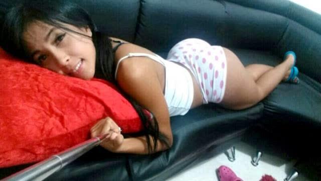 Alejandra Gil, uma morena rabuda espetacular 25