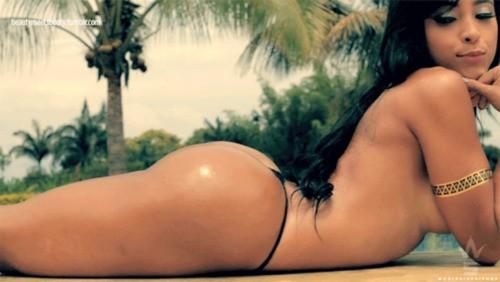 Alejandra Gil, uma morena rabuda espetacular 34