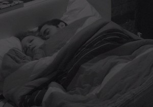 Matheus e Maria Claudia fazem sexo no BBB; video - http://www.naoconto.com