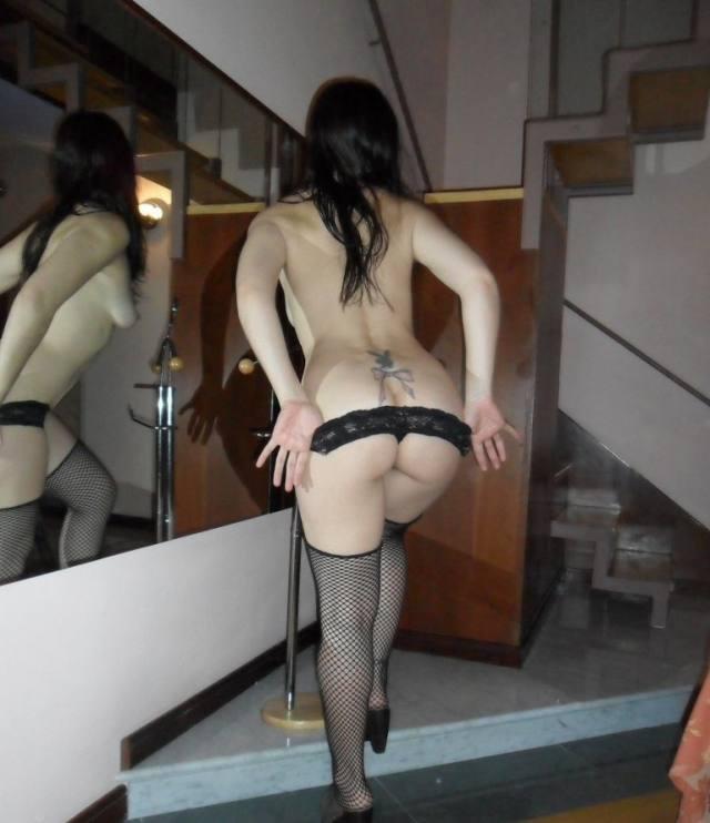 Casada tesuda se divertindo no motel 1