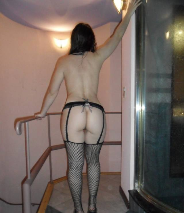 Casada tesuda se divertindo no motel 13