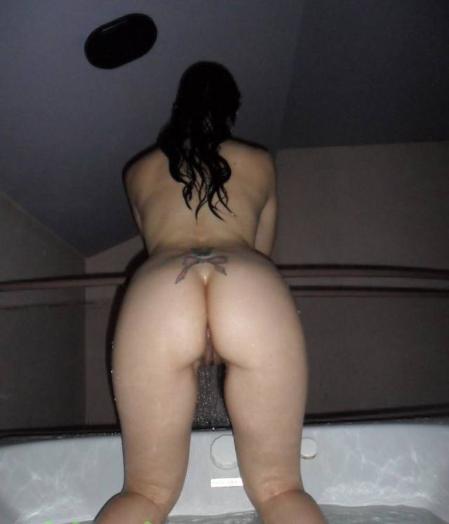 Casada tesuda se divertindo no motel 20