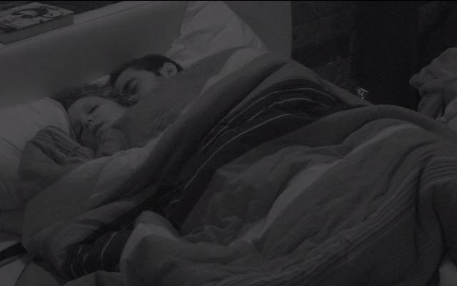 Matheus e Maria Claudia fazem sexo no big brother brasil video