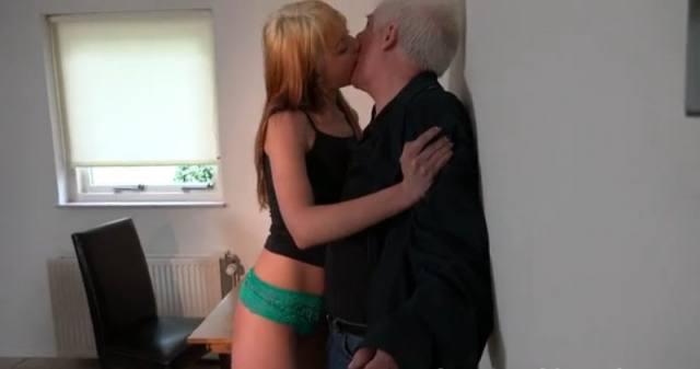 Professor de 61 anos fazia 'bico' como ator pornô Nicholas Goddard 1