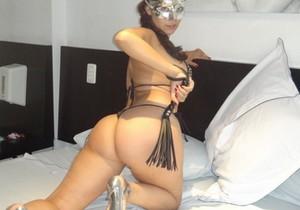 Esposa gostosona mascarada nua no motel - http://www.naoconto.com