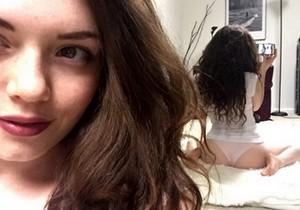 Emerson Cane a gostosa que adora postar nudes no Tumblr - http://www.naoconto.com