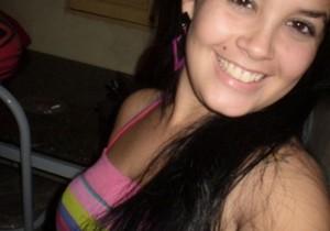 Novinha linda caiu na net pagando boquetinho toda feliz - http://www.naoconto.com