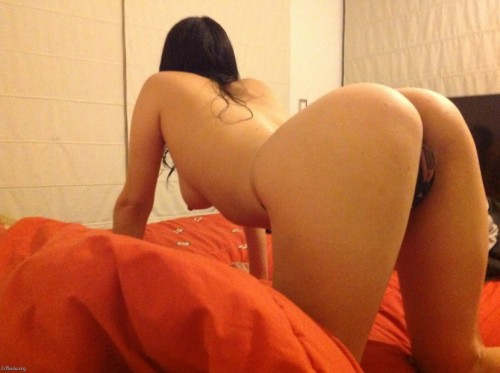 Esposa gostosa mostrando o bucetão 9