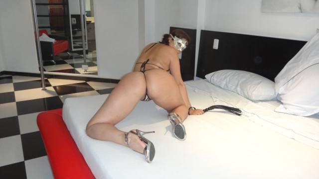 Esposa gostosona mascarada nua no motel 17