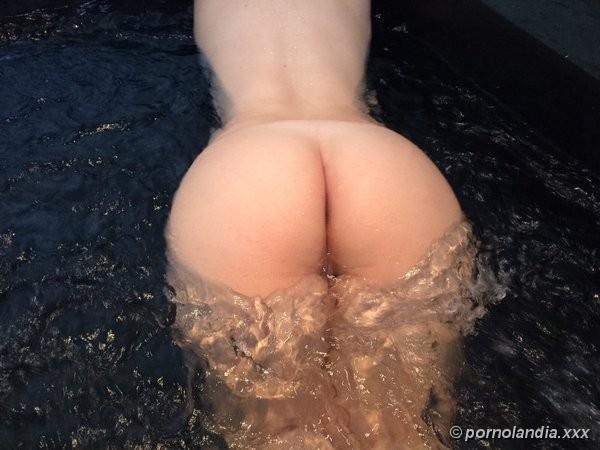 Loiraça gostosa da bunda grande caiu na net 18