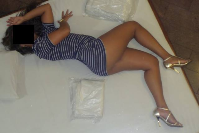 Vazou no whatsapp varias fotos dessa morena gostosa kasal discreto 13