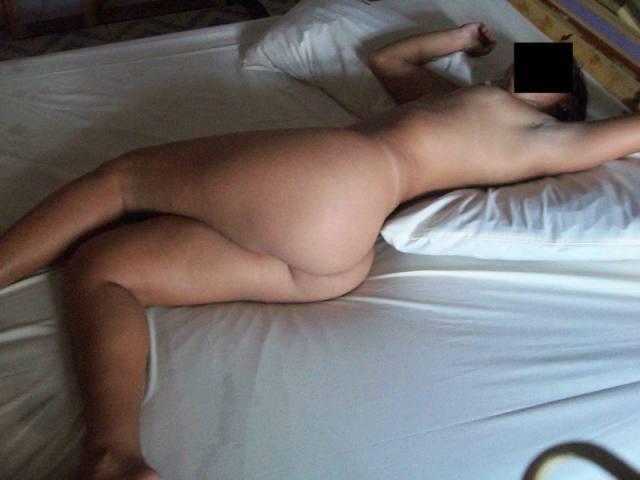 Vazou no whatsapp varias fotos dessa morena gostosa kasal discreto 28