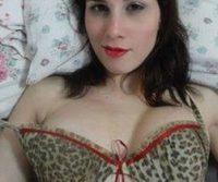 Fotos amadoras Camila Uckers semi nua em festinha