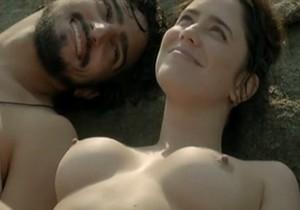 Fernanda Vasconcellos pelada nua mostrando os peitos - http://www.naoconto.com