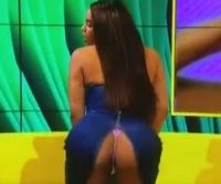 Vestido rasga e participante do Big Brother britânico e mostra bunda ao vivo