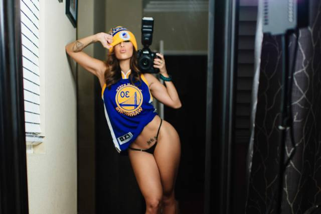 Com vocês fotos da gostosa Tianna Gregory nude 10