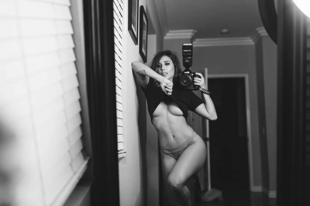 Com vocês fotos da gostosa Tianna Gregory nude 18