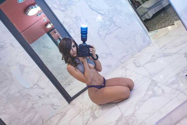 Com vocês fotos da gostosa Tianna Gregory nude 30