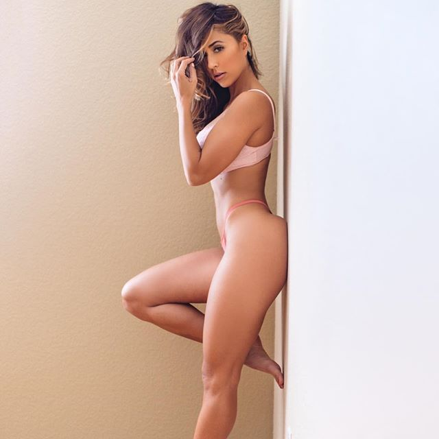 Com vocês fotos da gostosa Tianna Gregory nude 34