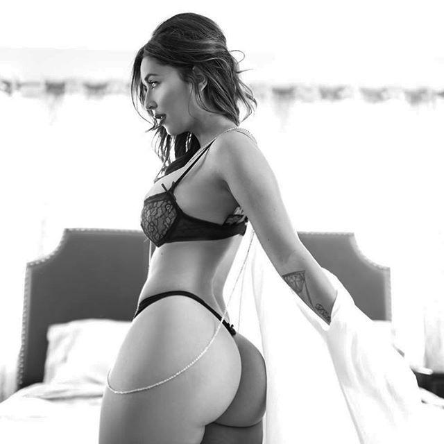 Com vocês fotos da gostosa Tianna Gregory nude 44