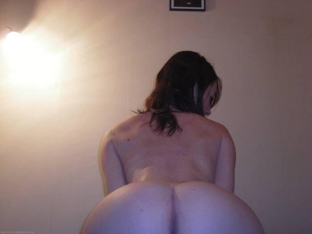 Ruiva pelada madura mostrando a bucetinha carnuda 8