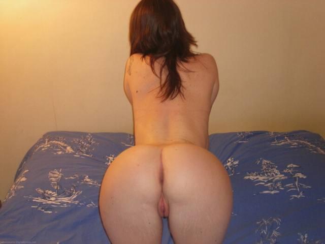 Ruiva pelada madura mostrando a bucetinha carnuda 9