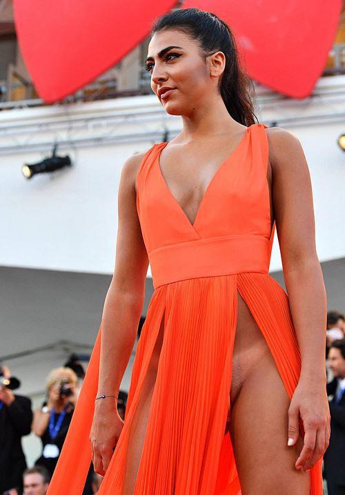 Modelos com roupas ousadas causaram no Festival de Veneza 2016 10
