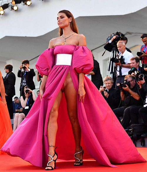 Modelos com roupas ousadas causaram no Festival de Veneza 2016 15