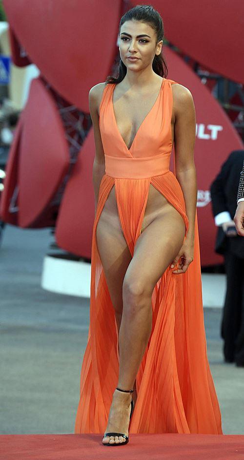 Modelos com roupas ousadas causaram no Festival de Veneza 2016 2