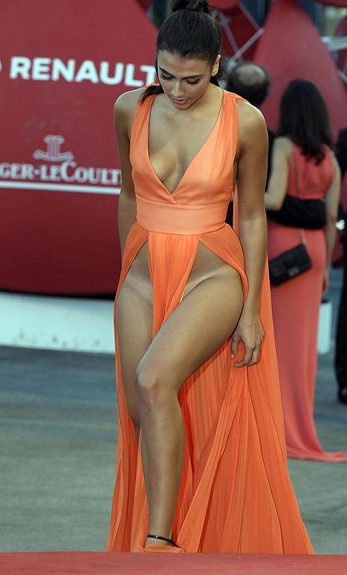 Modelos com roupas ousadas causaram no Festival de Veneza 2016 3