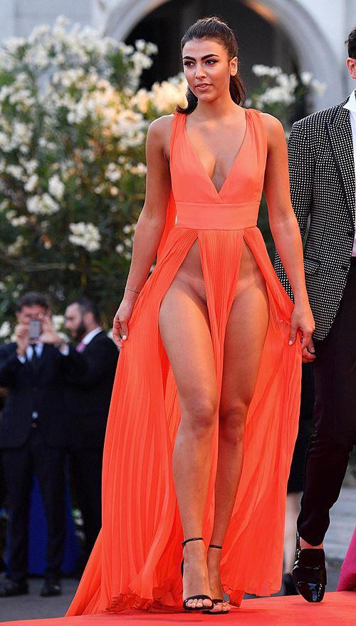 Modelos com roupas ousadas causaram no Festival de Veneza 2016 4