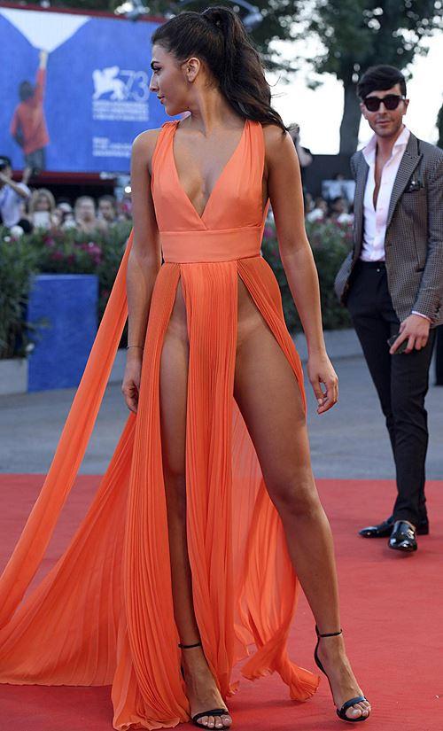 Modelos com roupas ousadas causaram no Festival de Veneza 2016 5