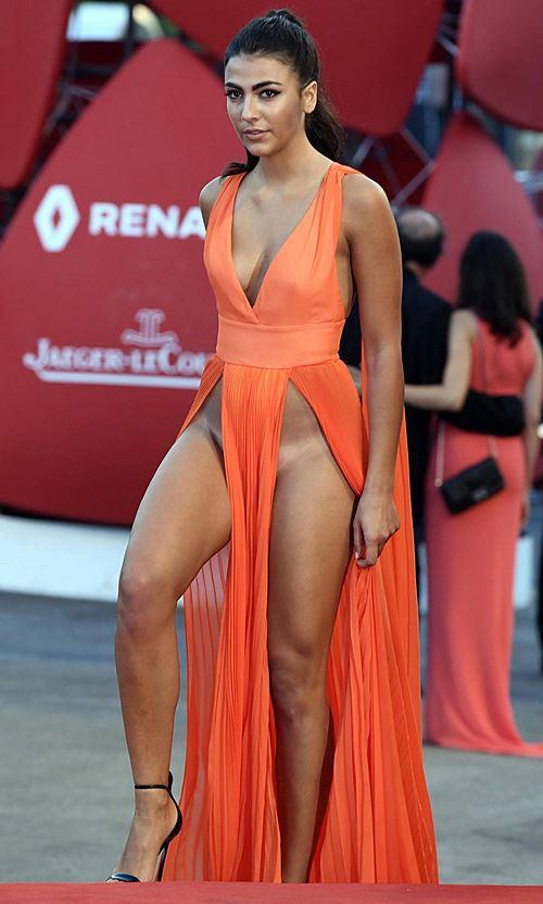 Modelos com roupas ousadas causaram no Festival de Veneza 2016 6