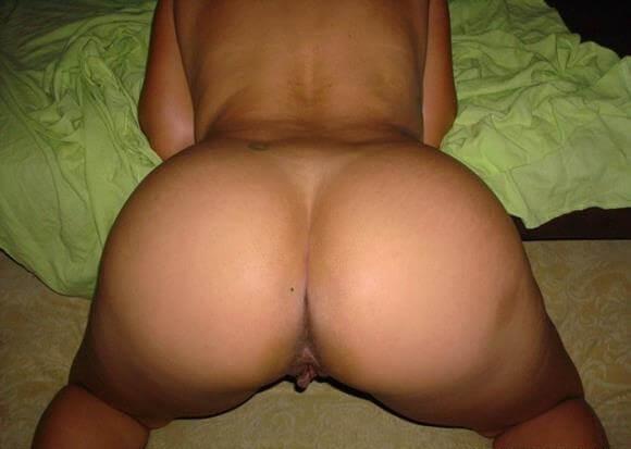 mulher-pelada-de-quatro-mostrando-o-bundao-8