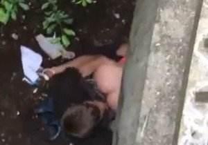 casal-e-flagra-fazendo-sexo-em-baixo-da-ponte