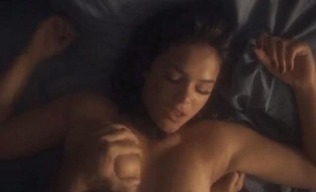 video-cena-de-bruna-marquezine-nua-pelada-em-serie-vaza-nas-redes-sociais-1