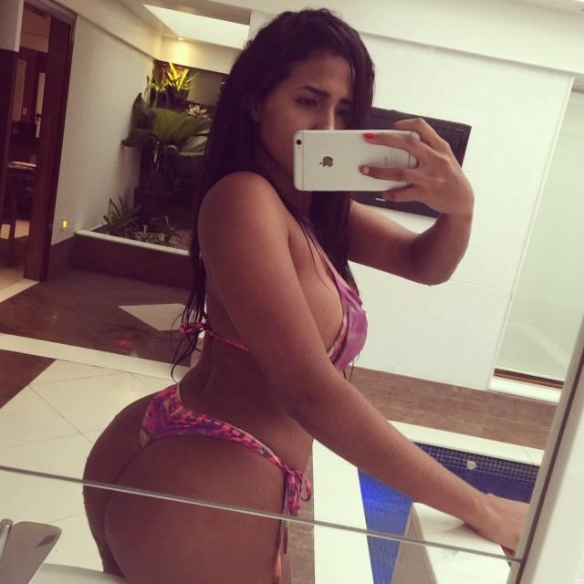Carioca linda e deliciosa Karen Havary