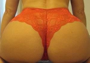 Esposa gostosa caiu na net com calcinha bem sensual!