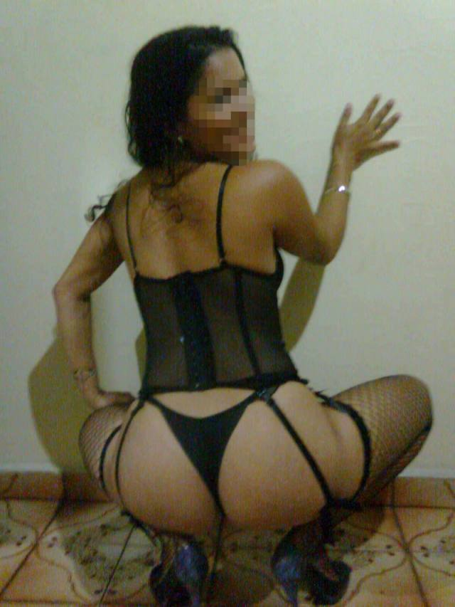 Morena novinha rabuda pelada fotos amadoras