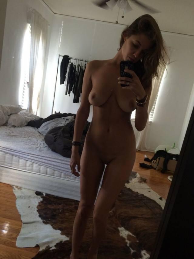 Fotos íntimas da modelo Alyssa Arce peladinha vazam na net
