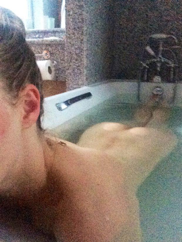 Fotos Amanda Seyfried nudes nua e pagando boquete caem na net