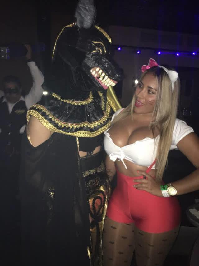 Fotos e videos da cavala colombiana Teresa Mendoza