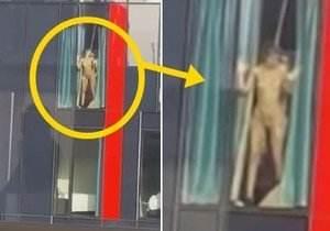 Casal flagrado metendo na janela do hotel