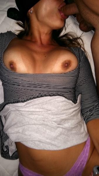 Magrinha muito gostosa rabuda em fotos intimas peladinha 8