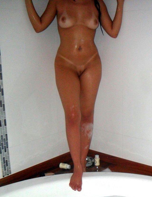 Nudes da esposa novinha sapeca