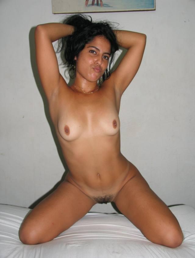 Suelen, novinha linda muito gostosa caiu na net 22