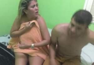 Vereadora de Ipueiras é pega no flagra com marido de amiga na cama e apanha Video
