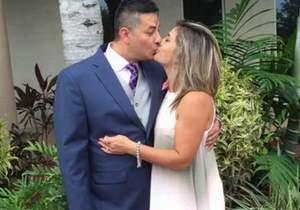 Professora é demitida depois que caiu na net com o marido e amante